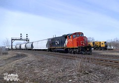 CN 4770 (Ramblings From The 4th Concession) Tags: freighttrains cnrail emdlocomotives gp382w cn4770 cndundassub panasonicfz1000 gobelsont