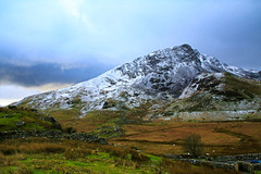 First Snow (Tina Townhill) Tags: snow wales landscape hill snowdonia gwynedd rhydddu llynydywarchen