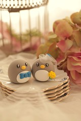 Penguins wedding cake topper (charles fukuyama) Tags: wedding cute penguin egg pinguin brideandgroom pingino   lightgrey weddingcaketopper customcaketopper claydoll animalscaketopper mochiegg cakedecortaion