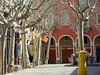 Calm (Antropoturista) Tags: trees red square arbol spain flag catalunya plátanos luminária plazuela platanen vilafrancadepenedes