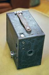 Kodak Brownie 2A (1929-33) (John's Vintage Cameras) Tags: film analog vintage kodak brownie 116 boxcamera retinette closeuplens ultramax brownie2a auxiliarylens 116film portalens