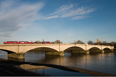 Putney Bridge with clouds and reflections (andyc246) Tags: cloud riverthames putneybridge earlymorninglight