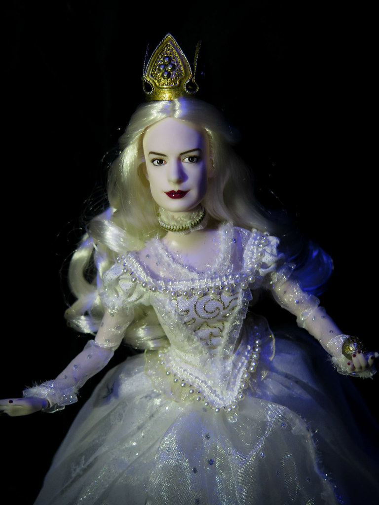 Disney Doll Alice Through The Looking Glass Whitequeen