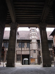 IMG_9143 (NICOB-) Tags: troyes monuments maison centreville aube colombages