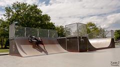 Lowik Lons skatepark (Trialxav) Tags: blue sky france soleil freestyle shoot tricks skatepark skate skateboard pyrenees atlantique lons