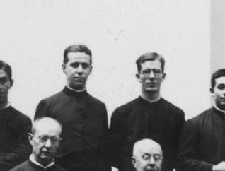 26. Junto al Padre Carlos Aldunate