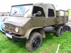 Mercedes-Benz Unimog 404 1962 (Zappadong) Tags: auto classic car army automobile military voiture coche mercedesbenz classics oldtimer 404 oldie 1962 carshow unimog armee militr bundeswehr youngtimer 2016 automobil oldtimertreffen ellringen zappadong