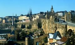 Panorama der Altstadt Luxemburg (p_jp55 (Jean-Paul)) Tags: winter panorama hiver luxembourg altstadt luxemburg vieilleville saarlorlux stadtluxemburg ltzebuerg historiccitycenter cityofluxembourg villedeluxembourg stadltzebuerg