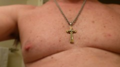 Monte's Cross in focus (Monte Mendoza) Tags: shirtless man guy nipple cross dude uomo hombre homme ua noshirt armpits pecho sanschemise underarms goldcross sincamisa