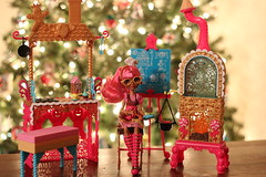Ever After High's Sugar Coated: Ginger Breadhouse Playset (Sarah Whisted) Tags: kitchen cake dolls baker treats cupcake gingerbreadhouse sugarcoated dollphotography eah everafterhigh everafterhighplayset