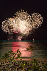 _HDA3808_181758.jpg (There is always more mystery) Tags: beach hawaii hotel waikiki oahu fireworks royalhawaiian