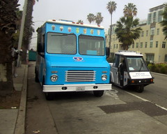 After a marathon chase... (Eleventh Earl) Tags: california losangeles pacific santamonica marathon tourists pch socal