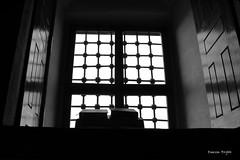 IMG_0632_bw il y a toujours de la lumire aprs  l'obscurite/Her karanln ardndan bir aydnlk vardr /Edirne (Emrem.Ergun) Tags: cami edirne coran siyahbeyaz kuran