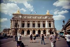 2013 巴黎歌劇院 (chunhao93) Tags: voyage travel people paris france lomo opera europe crowd palace palais vivitar 歌劇院 parisopera 法國 巴黎 歐洲 巴黎歌劇院