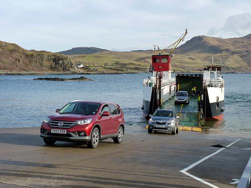 Ardnamurchan - Kilchoan pier, arrival of the Loch Linnhe  (3)
