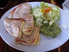 """Merida: quesadillas (plus précisement """"syncronizadas"""" car, en plus du fromage, il y a du jambon et du guacamole) <a style=""""margin-left:10px; font-size:0.8em;"""" href=""""http://www.flickr.com/photos/127723101@N04/25647028140/"""" target=""""_blank"""">@flickr</a>"""