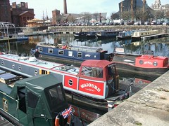 Canal barges at Albert Dock, Liverpool (13th Apr 2016) (RETRO STU) Tags: liverpool beatles albertdock barges waiouru briangreavesblacksmith