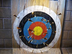 Art in Paradise (Chiang Mai), Thailand (Dec-2015) 04-076 (MistyTree Adventures) Tags: art museum painting thailand asia seasia picture 3dart target chiangmai knives 3dpainting artinparadise
