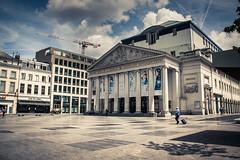Quand Bruxelles rime avec soleil... (Gilderic Photography) Tags: city brussels summer canon belgium belgique belgie theatre sunday bruxelles sunny monnaie 500d gilderic
