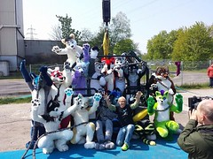 Thank you very very much everyone for this amazing day! Special thanks to Bungee Action and all the jumpers and all the helpers with photos and videos. Stuff will be ready soon :3 #FBW2 Photo by Lionsnake the jumpers from left to right top to bottom: Duke (Keenora Fluffball) Tags: furry kee fursuit keenora