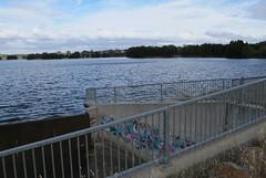 Graffiti over the edge (spelio) Tags: australia canberra act 2016 australiancapitalterritory gungahlin