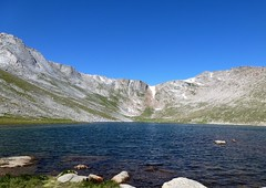 Waters' Edge (Patricia Henschen) Tags: mountains mtevans summitlake denvermountainparks mtevansscenicbyway