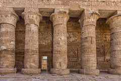 Second Court, Mortuary Temple of Ramses III, Medinet Habu, Egypt (bfryxell) Tags: statue egypt column luxor thebes medinethabu secondcourt mortuarytempleoframsesiii necropolisofthebes