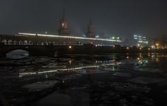 Oberbaumbrücke mit Eis und Nebel