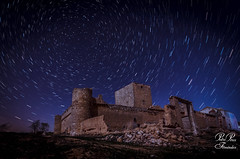 Castillo de Santiaguin las Pedroñeras Cuenca. STAR TRAILS. NIGHT. CASTILLO. Earth Speed