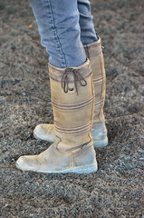 2016-01-03 (12) r2 boots at Laurel Park (JLeeFleenor) Tags: winter girls woman photography donna md shoes boots photos femme mulher maryland jeans footwear frau vrouw dona paddock laurelpark wanita  tightjeans   kneehigh kvinne   nainen kobieta footgear   kvinde ena  kvinna kadn n lamujer    marylandhorseracing  ngiphn
