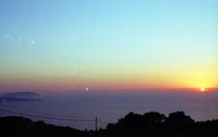 Tramonto siciliano (miriam.lonardi) Tags: sunset tramonto mare estate pentax sole colori mx sicilia erice trapani levanzo isole marettimo sagome