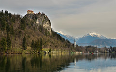 Bled Castle (EnricoMelone) Tags: lake travelling castle bled