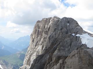 Des Lilliputiens à  Punta Penia (3343 m), massif de la Marmolada, Canazei, Val di Fassa, province de Trente, Trentin-Haut Adige, Italie.