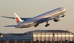 B773 Air China rocketing to Beijing (Jean-Baptiste Gavel) Tags: china sunset paris de air charles boeing gaulle 777 roissy cdg lfpg b2086 77739ler