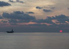 160425-N-OR184-028 (U.S. Pacific Fleet) Tags: southchinasea usswilliamplawrenceddg110 greatgreenfleet johncstennisstrikegroup jcssg