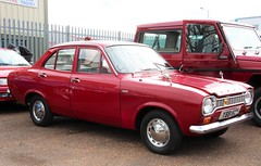 YBB 156H (Nivek.Old.Gold) Tags: ford aca 1970 base escort 1100 4door