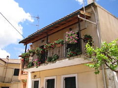 20150524_125915LC (Luc Coekaerts from Tessenderlo) Tags: flower building public facade balcony nobody greece creativecommons flowerpot corfu vak grc forgings architecturalelement cc0 karousades sokrki coeluc vak201505corfu