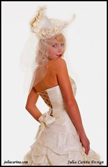 egyedi menyasszony kalap julia carina (JÚLIA CARINA DESIGN) Tags: egyedi kézzel készült kiegészitők fejdísz kalap esküvő fehér fashion juliacarinadesign wedding bride bridal wear woman lady fascinator white handmade individual hairpeace hat veil menyasszonyi esküvői menyaszony fátyol fejdisz julia carina design kézzelkészült budapest madeinhungary menyasszony dekor hajdísz pin up carneval collector jewellery accessories burlesque horseracing artbalance esküvőstylist esküvődekoratőr esküvőikiegészítők women kiegészitő üzlet