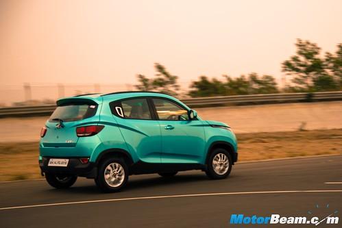 2016-Mahindra-KUV100-5