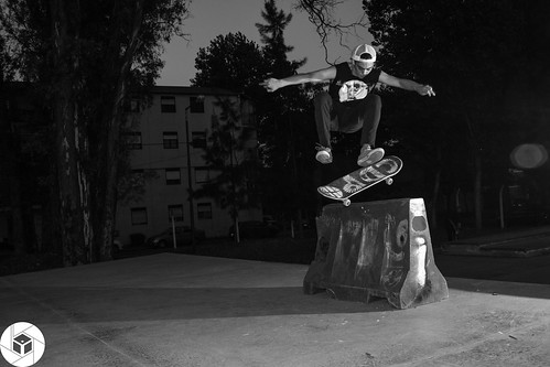 Lucas - Flip over barrier