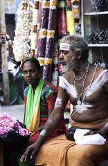 (esther.park) Tags: india chennai flowerseller mylapore kapaleeswarartemple