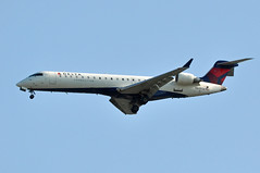 N609SK   YVR (airlines470) Tags: usa airport delta msn yvr connection crj700 skywest 10020 n609sk n701ev