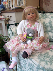 sitting (sheila32711) Tags: doll artistdoll masterpiecedoll masterpiece