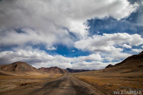 Asfalt w Pamirze
