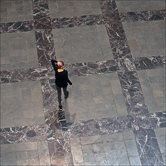. (me*voil) Tags: woman pattern floor hannover diagonal marble neuesrathaus