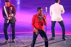 The Jacksons (Patrick Frauchiger) Tags: show music art ice switzerland dress stage zurich skating skate figure zrich figureskating skates jacksons artonice 2016 hallenstadion