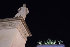 la foto da non turista - Piazza Castelnuovo (D@niel&) Tags: street nikon downtown piazza palermo sicilia politeama d5500 wwwdanielelivolsicom