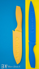 Amarillo y azul (Mary Pinto) Tags: blue color yellow products knives marypintofphotography