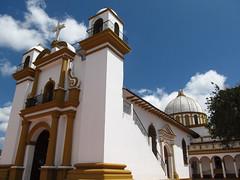 """San Cristóbal de las Casas: l'église de Guadalupe <a style=""""margin-left:10px; font-size:0.8em;"""" href=""""http://www.flickr.com/photos/127723101@N04/25081144604/"""" target=""""_blank"""">@flickr</a>"""