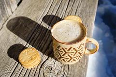 Schiffstasse (Joachim S.) Tags: winter tasse switzerland warm keks htte kaffee bank bern holz teatime sonne gemtlich adelboden chocky engstligenalp httle